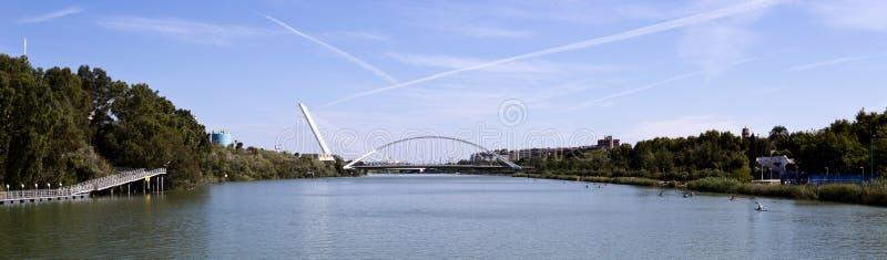 Ponts de Séville du Guadalquivir images stock