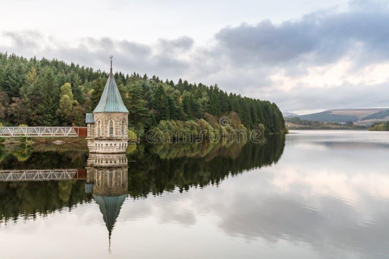 Pontsticill水库,梅瑟蒂德菲尔,中格拉摩根,威尔士,英国 免版税图库摄影