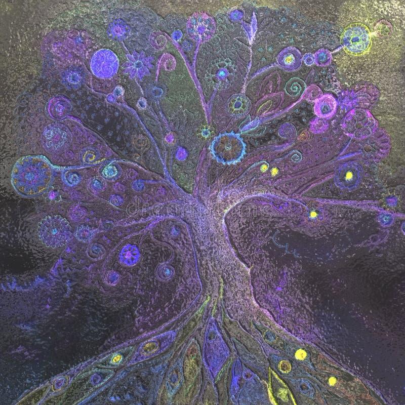 Ponury drzewo przy nocą na kruszcowej strukturze zdjęcia royalty free