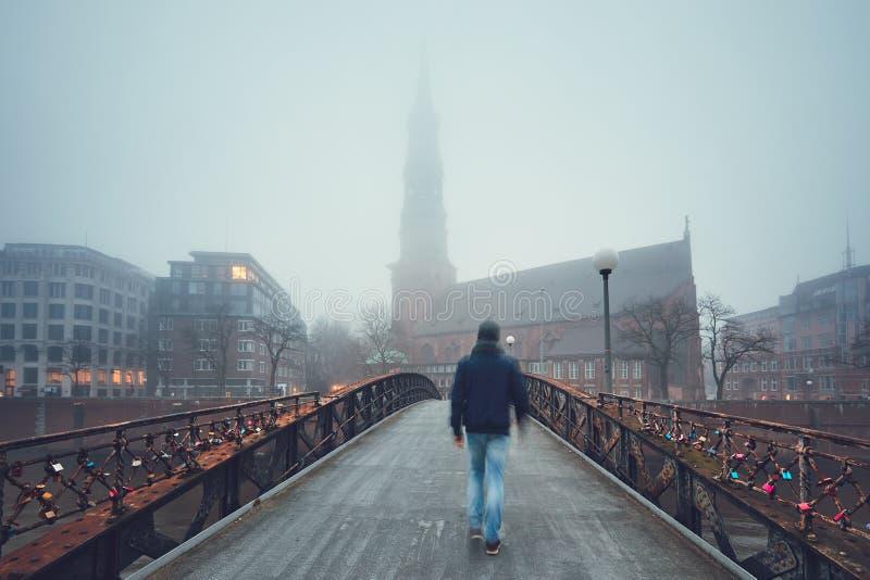 Ponury dzień w mieście zdjęcie stock