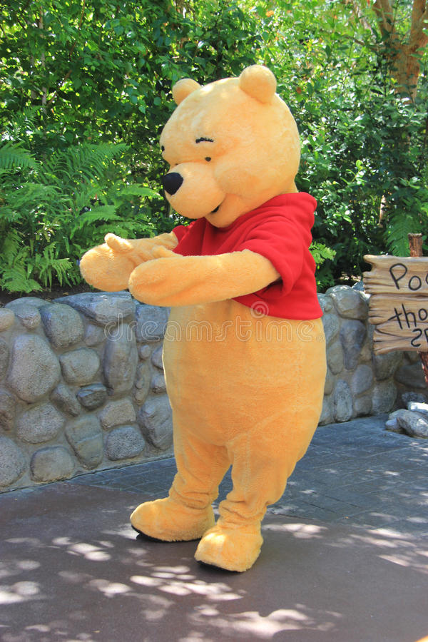 Pooh przy Disneyland zdjęcie stock