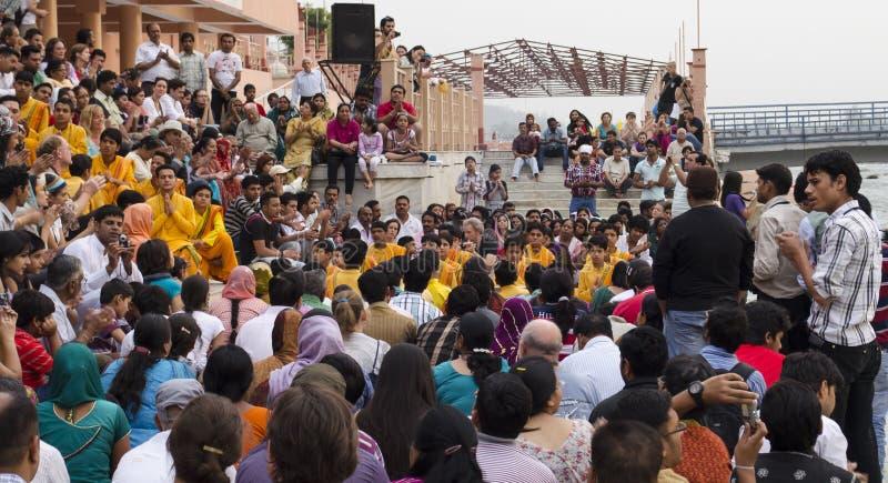 Pooja Ceremony i aftonen arkivfoton