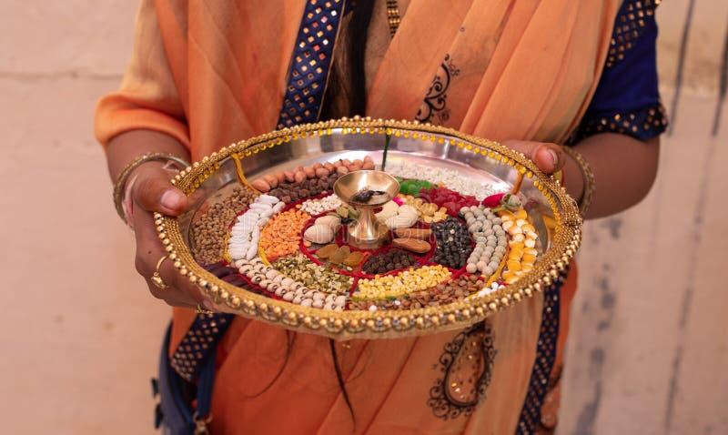 Pooja Thali arkivbild
