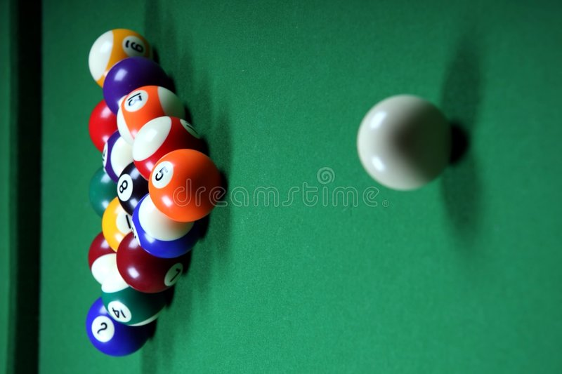 Free Pool Balls And Table Royalty Free Stock Images - 6177539