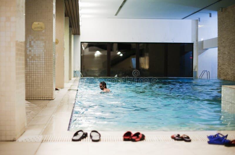 Pool in der Badekurortmitte stockfoto
