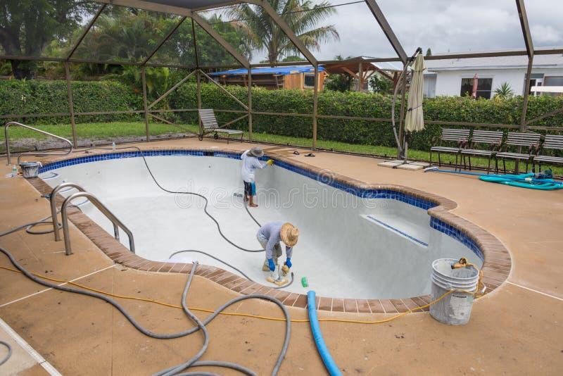 Pool gestalten und resurfaceing um lizenzfreie stockfotos