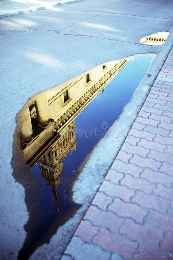 Pool-Reflexion lizenzfreie stockfotos