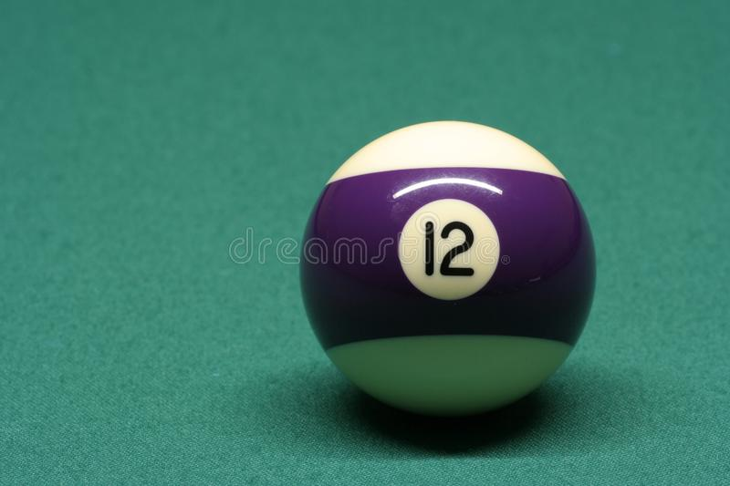 Poolball Nr. 12 stockbild