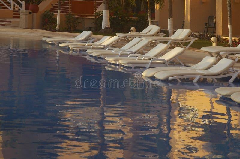 Poolplatz stockbilder