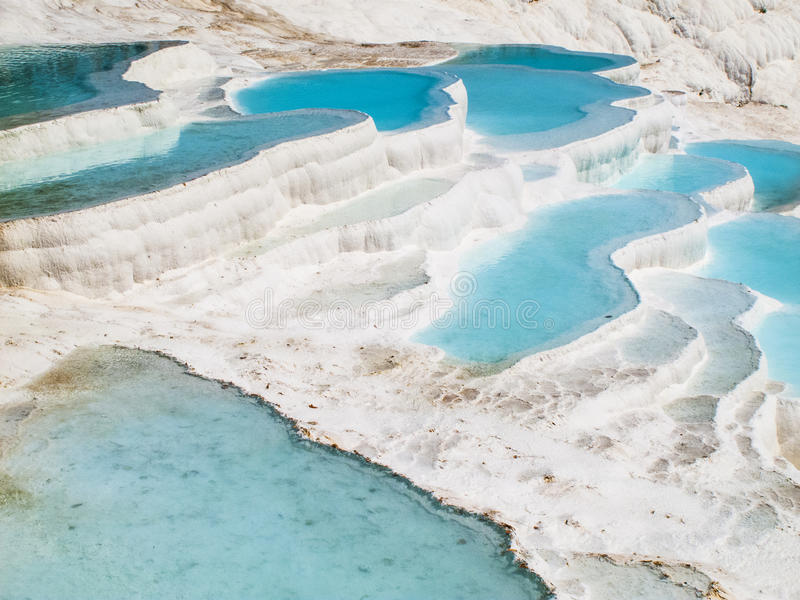 Pools blauen Wassers Pamukkale lizenzfreies stockfoto