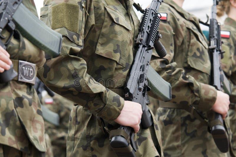 Poolse legertroep met vrouwen stock foto