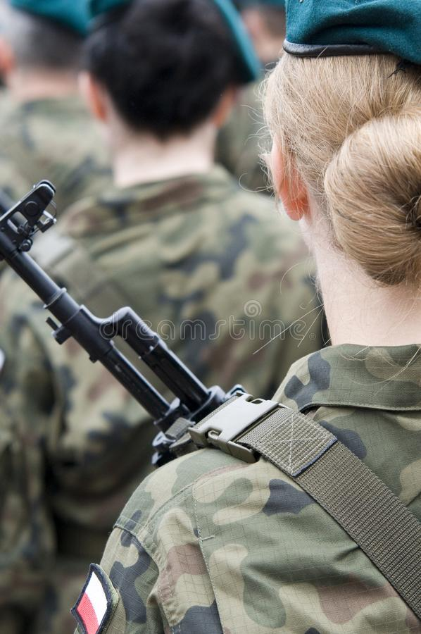 Poolse legertroep met vrouwen stock fotografie