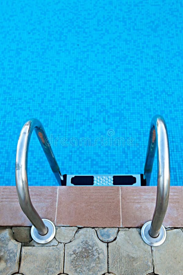 Download Pooltreppenhaus stockfoto. Bild von schön, luxus, stein - 26354190
