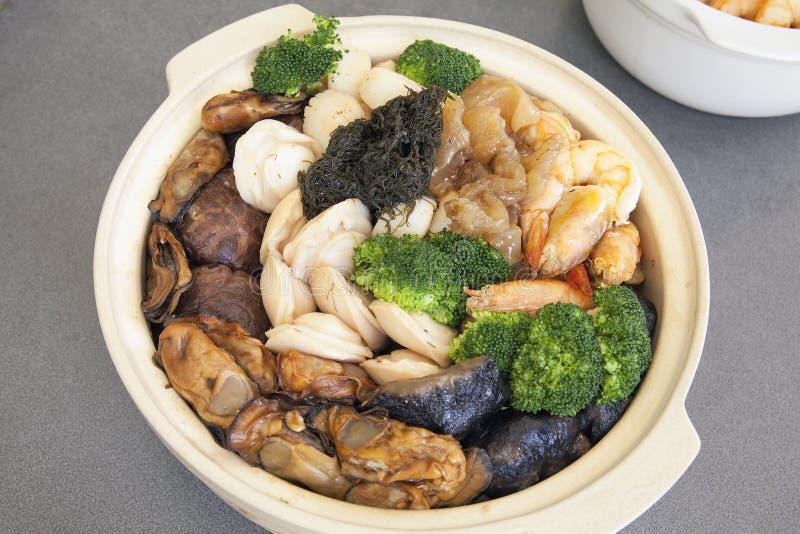 Poon Choi Cantonese Big Feast Bowl royaltyfri fotografi
