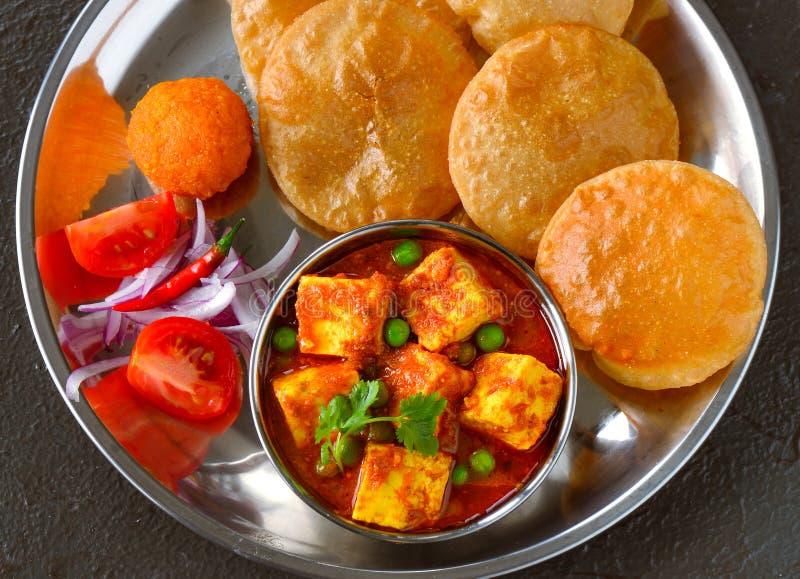 Poori bhaji z sałatką fotografia stock
