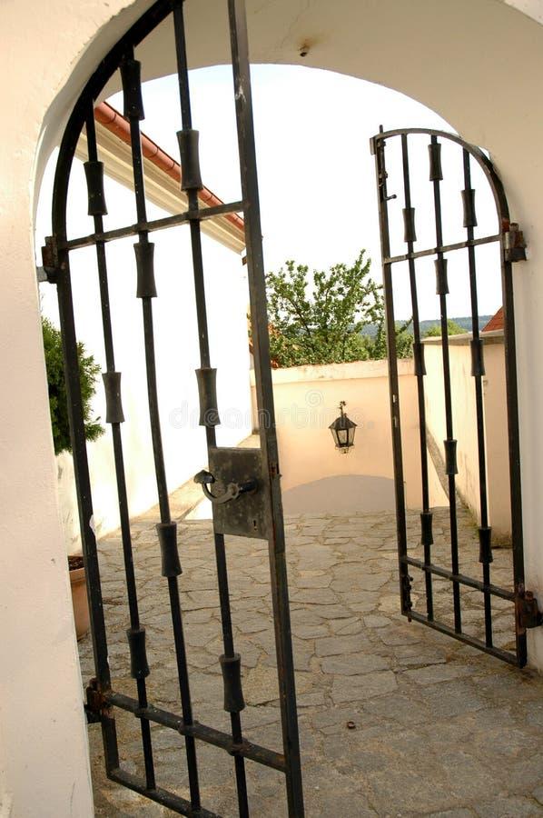 Download Poort stock foto. Afbeelding bestaande uit zwart, poort - 290590