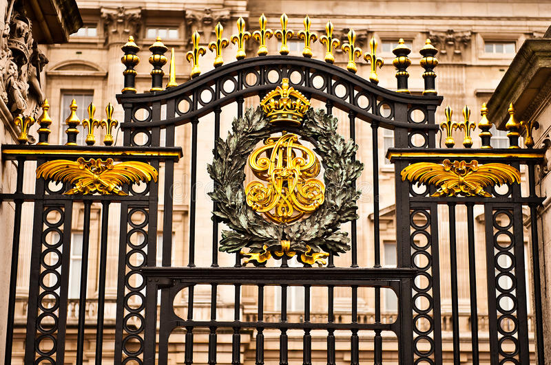 Poort bij Buckingham Palace stock fotografie