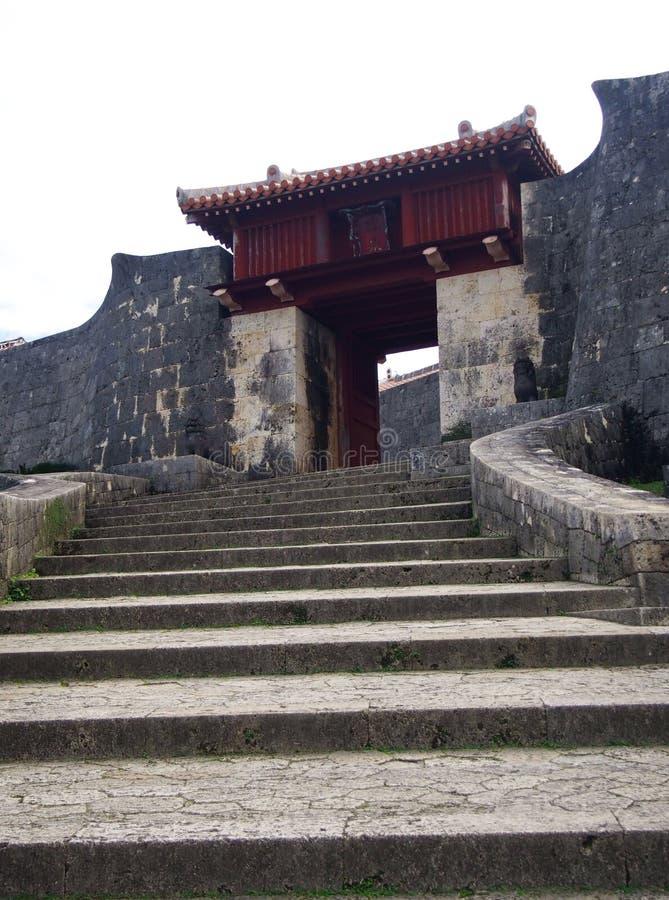 Poort en Deur van Shuri-Kasteel Okinawa Japan stock afbeeldingen