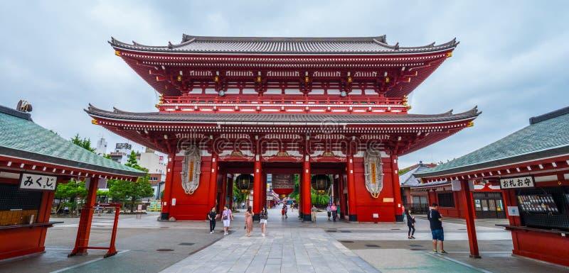 Poort Hozo -hozo-mon bij Tempel Senso -senso-ji in Tokyo Asakusa - TOKYO, JAPAN - JUNI 12, 2018 stock afbeelding
