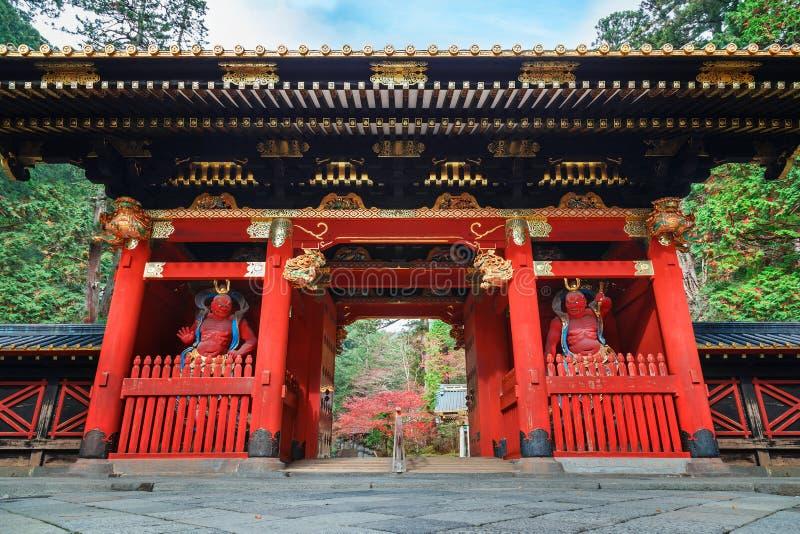 Poort nio -nio-mon in Taiyuinbyo - het Mausoleum van Tokugawa Iemitsu in Nikko stock afbeelding