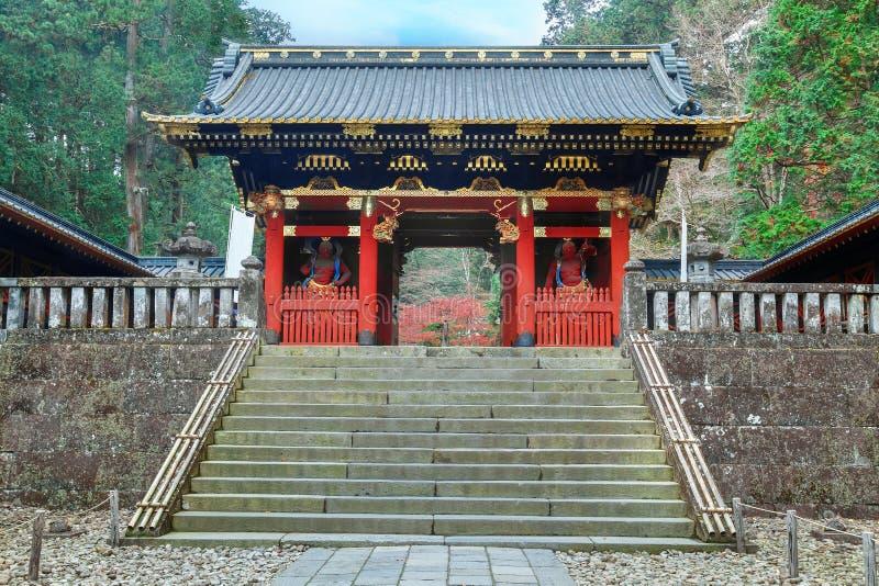 Poort nio -nio-mon in Taiyuinbyo - het Mausoleum van Tokugawa Iemitsu in Nikko royalty-vrije stock afbeelding