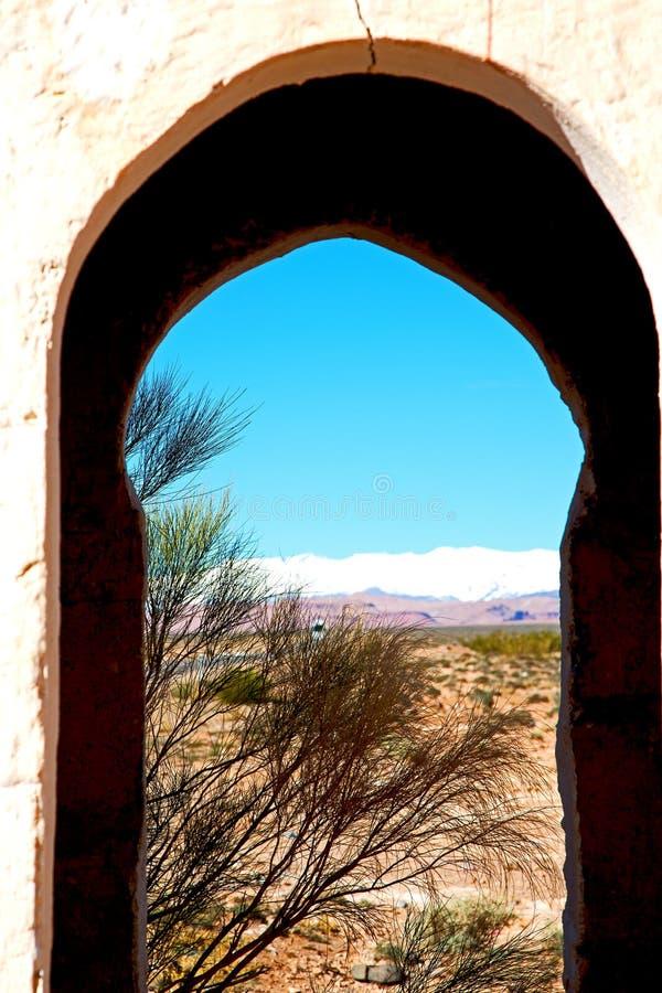 poort in todrakloof Marokko Afrika en royalty-vrije stock afbeelding