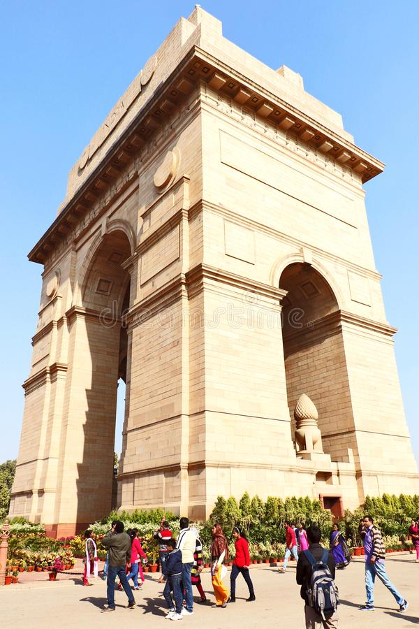 Poort van India, één van de oriëntatiepunten in New Delhi, India Het wordt oorspronkelijk genoemd het Al de Oorlogsgedenkteken va stock fotografie