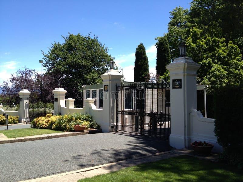 Poorten aan Overheidshuis, de HANDELING van Canberra, Australië royalty-vrije stock foto