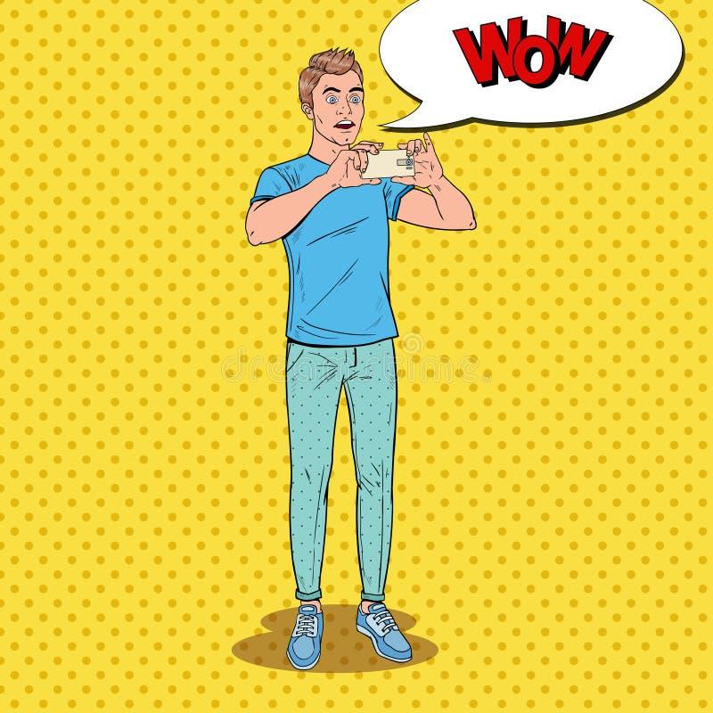 Pop Art Surprised Man Making Video op Smartphone Tiener Guy Taking Photo op Mobiele Telefoon royalty-vrije illustratie
