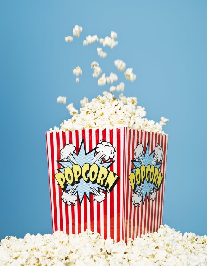 popcorn καλαθιών στοκ εικόνα