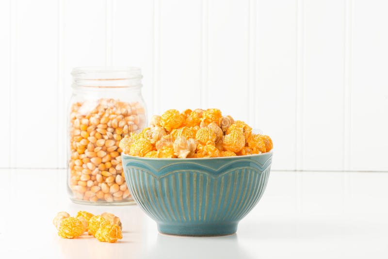 Popcorn καραμέλας και τυριών στοκ φωτογραφίες με δικαίωμα ελεύθερης χρήσης