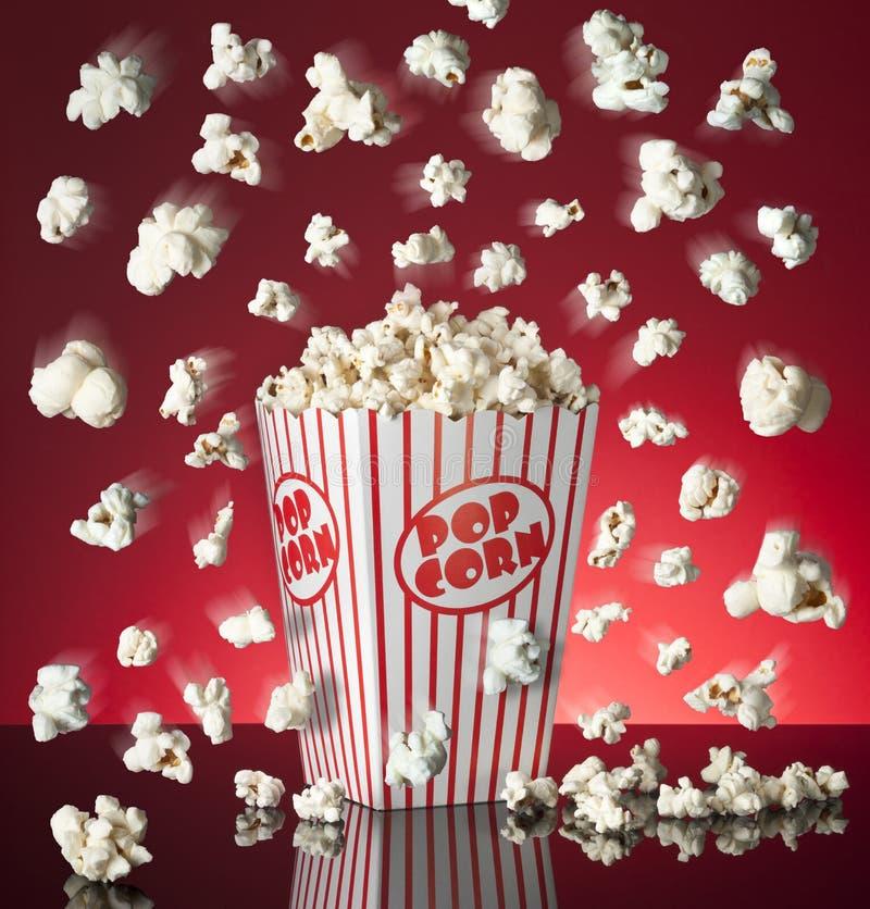 popcorn κιβωτίων σκάσιμο στοκ εικόνα