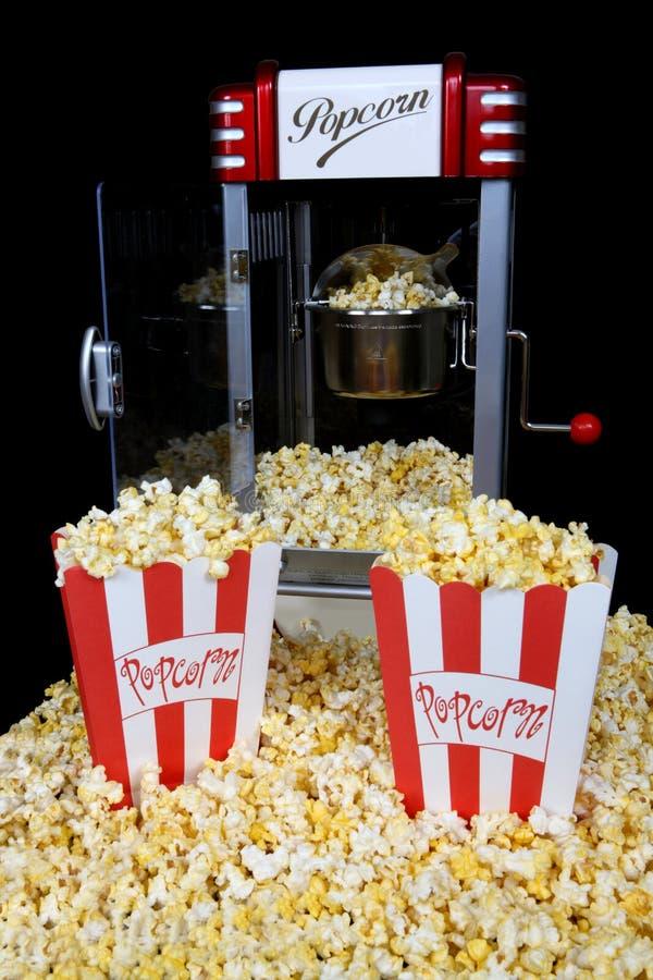 popcorn μηχανών αναδρομικό στοκ εικόνα