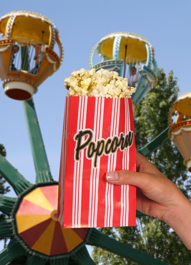 Download Popcorn stockfoto. Bild von butter, hatte, imbiß, park - 858686