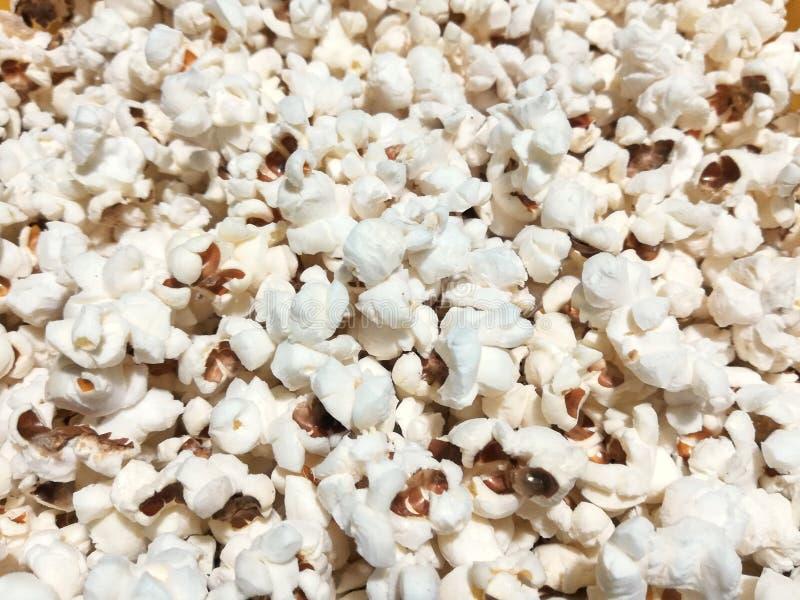 Popcorn caldo con sale immagine stock libera da diritti