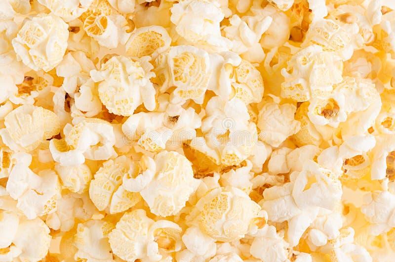 Popcorn classico come fondo, struttura, vista superiore immagini stock libere da diritti
