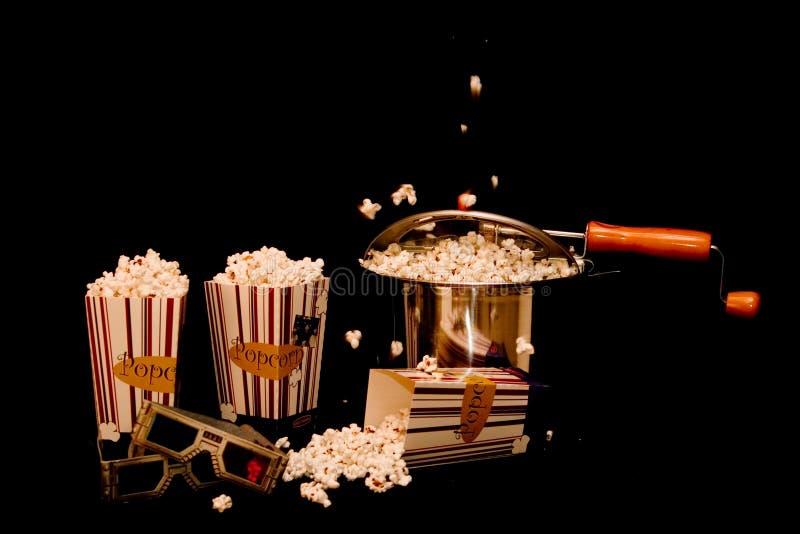 Popcorn en een Film! royalty-vrije stock afbeelding