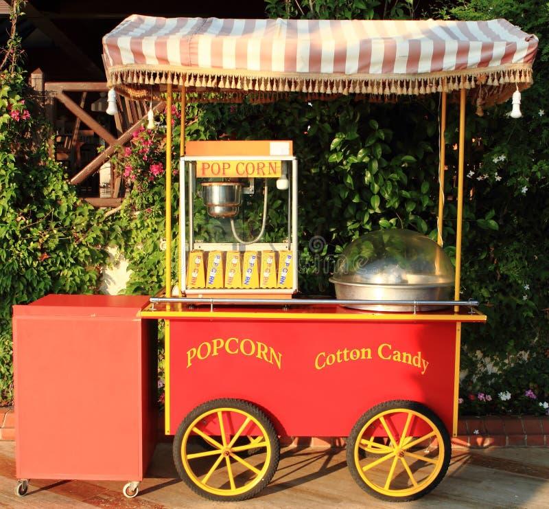 popcorn för godisbomullstillverkare arkivfoto