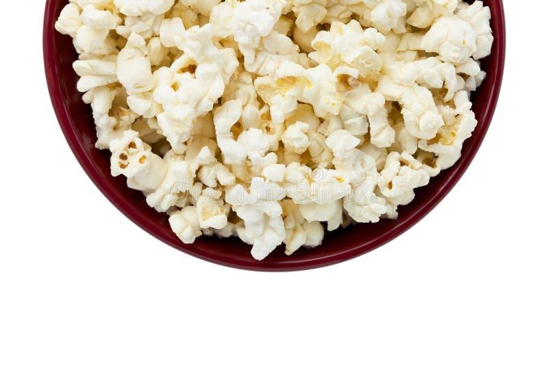 Popcorn inom den röda bunken arkivbilder
