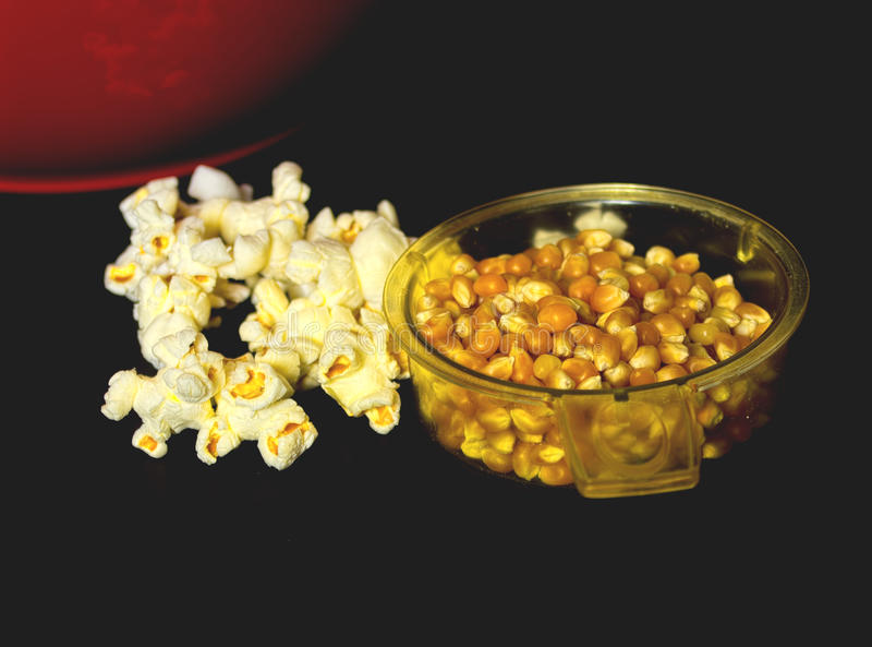 Popcorn. Kernels and fresh popped stock photography