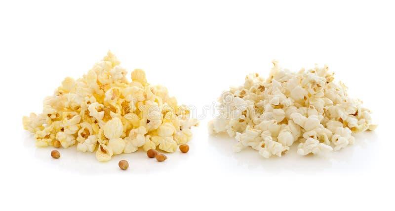 Popcorn lokalisiert auf weißem Hintergrund lizenzfreies stockbild