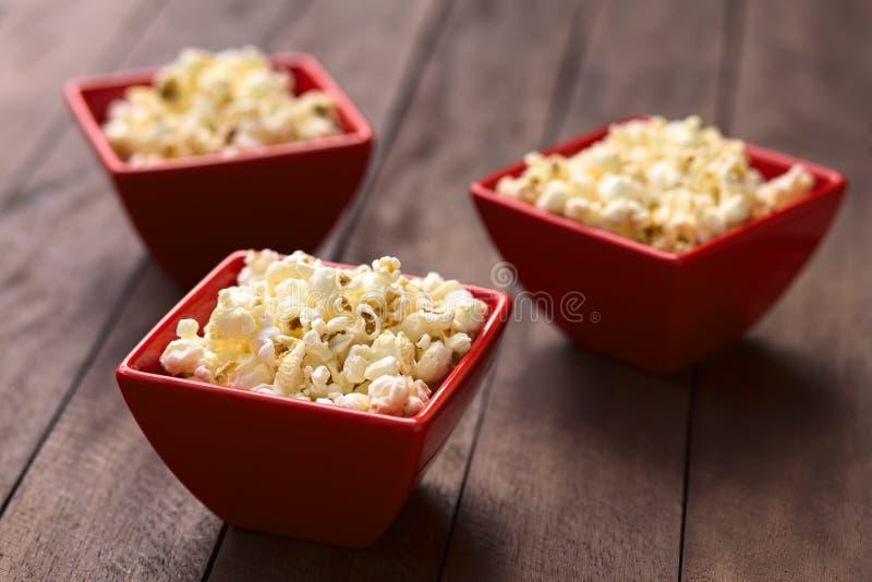 Popcorn salato fotografie stock