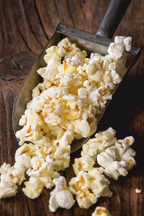 Popcorn salato pronto immagini stock libere da diritti