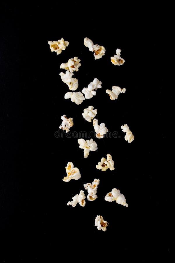 Popcorn salato pronto fotografie stock