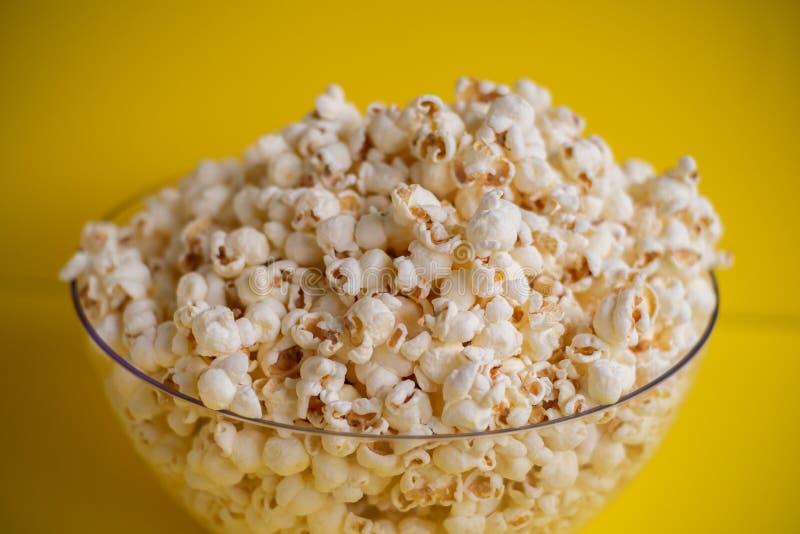 Popcorn in una ciotola fotografia stock