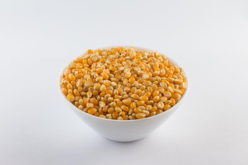 Popcorngraan Ruwe korrel in een kom royalty-vrije stock foto's
