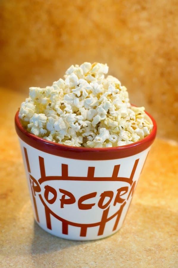 Popcornschüssel lizenzfreies stockfoto