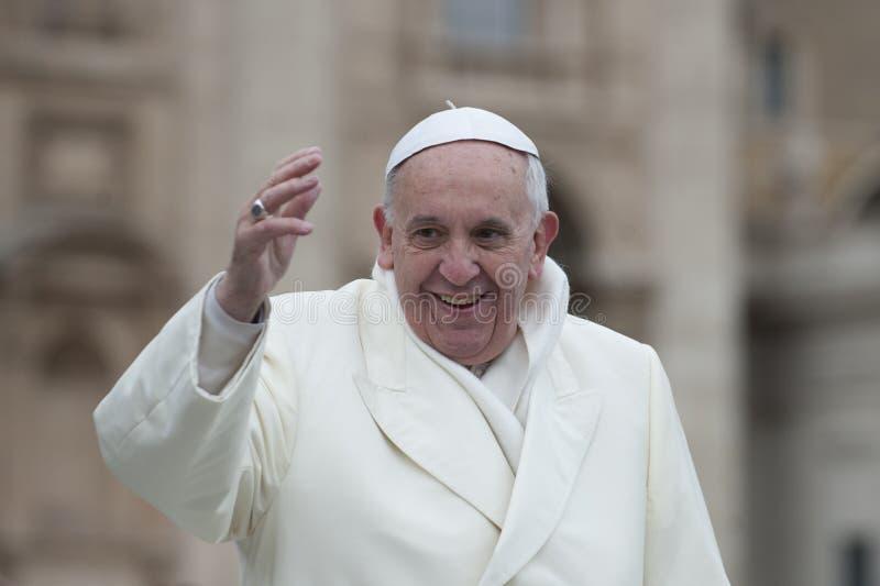 Pope Francis błogosławi wiernego zdjęcia royalty free