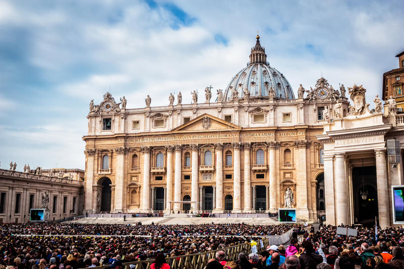 Pope Francis holds a General Audience on st. Peter's square filled with many pilgrims in Rome, Italy. VATICAN CITY, VATICAN - OCTOBER 29: Pope Francis holds a stock photo