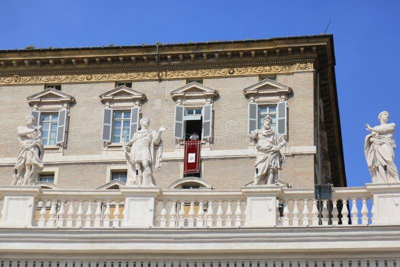 Pope Francis kaznodziejstwo od papieskiego mieszkanie balkonu, watykan zdjęcie royalty free